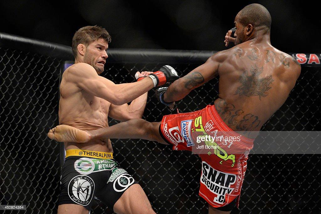 UFC Fight Night: Thomson v Green : News Photo