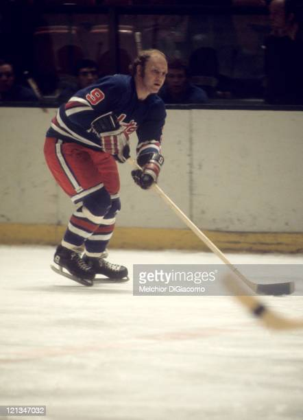 Bobby Hull of the Winnipeg Jets skates with the puck during an WHA game circa 1977.