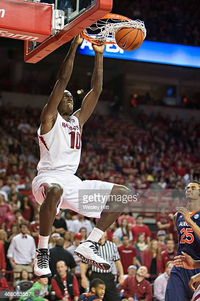 Bobby Portis of the Arkansas Razorbacks dunks the basketball against the Auburn Tigers at Bud Walton Arena on January 25, 2014 in Fayetteville,...