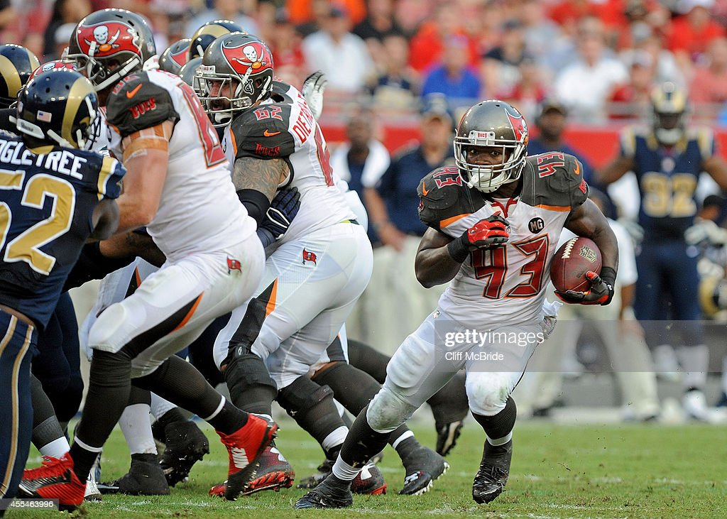 St Louis Rams v Tampa Bay Buccaneers : News Photo