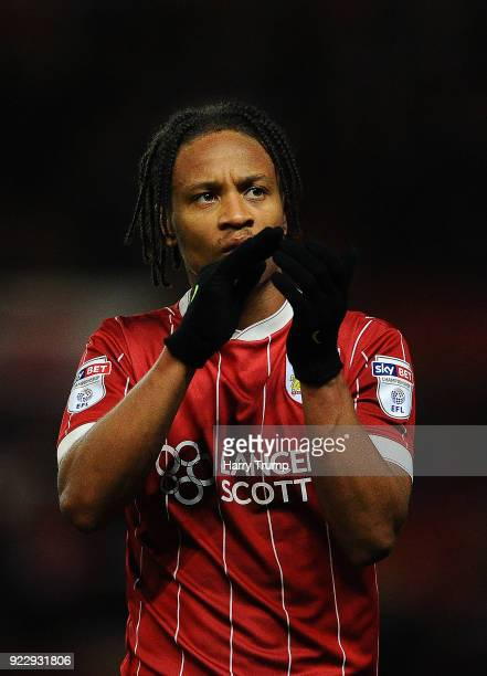 Bobby Reid of Bristol City applaudes the fans at the final whistle during the Sky Bet Championship match between Bristol City and Fulham at Ashton...