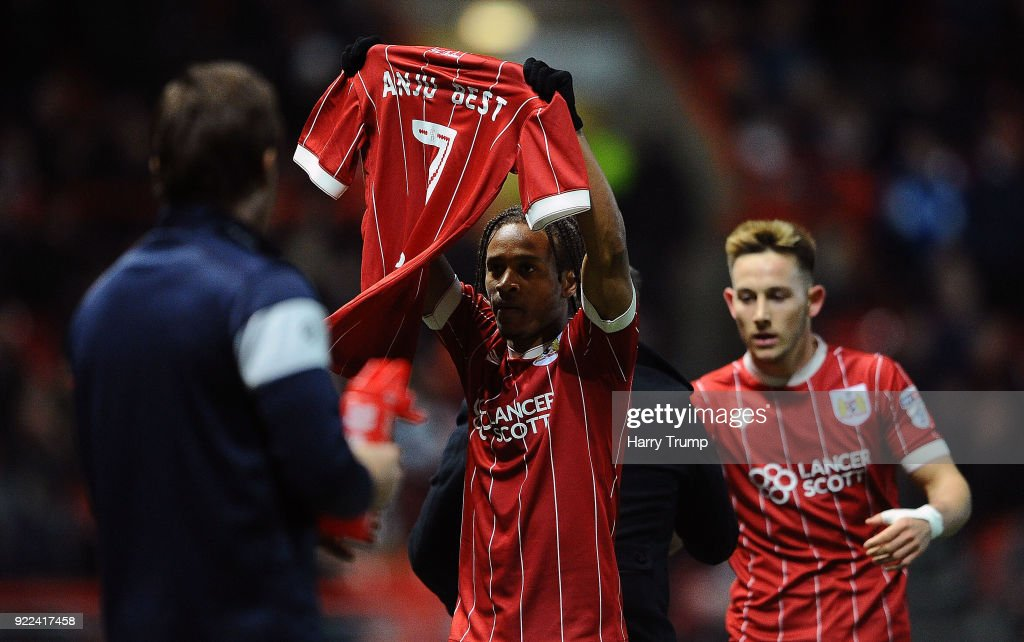 Bobby Reid of Bristol City(C) celebrates after scoring his sides first goal during the Sky Bet Championship match between Bristol City and Fulham at Ashton Gate on February 21, 2018 in Bristol, England.