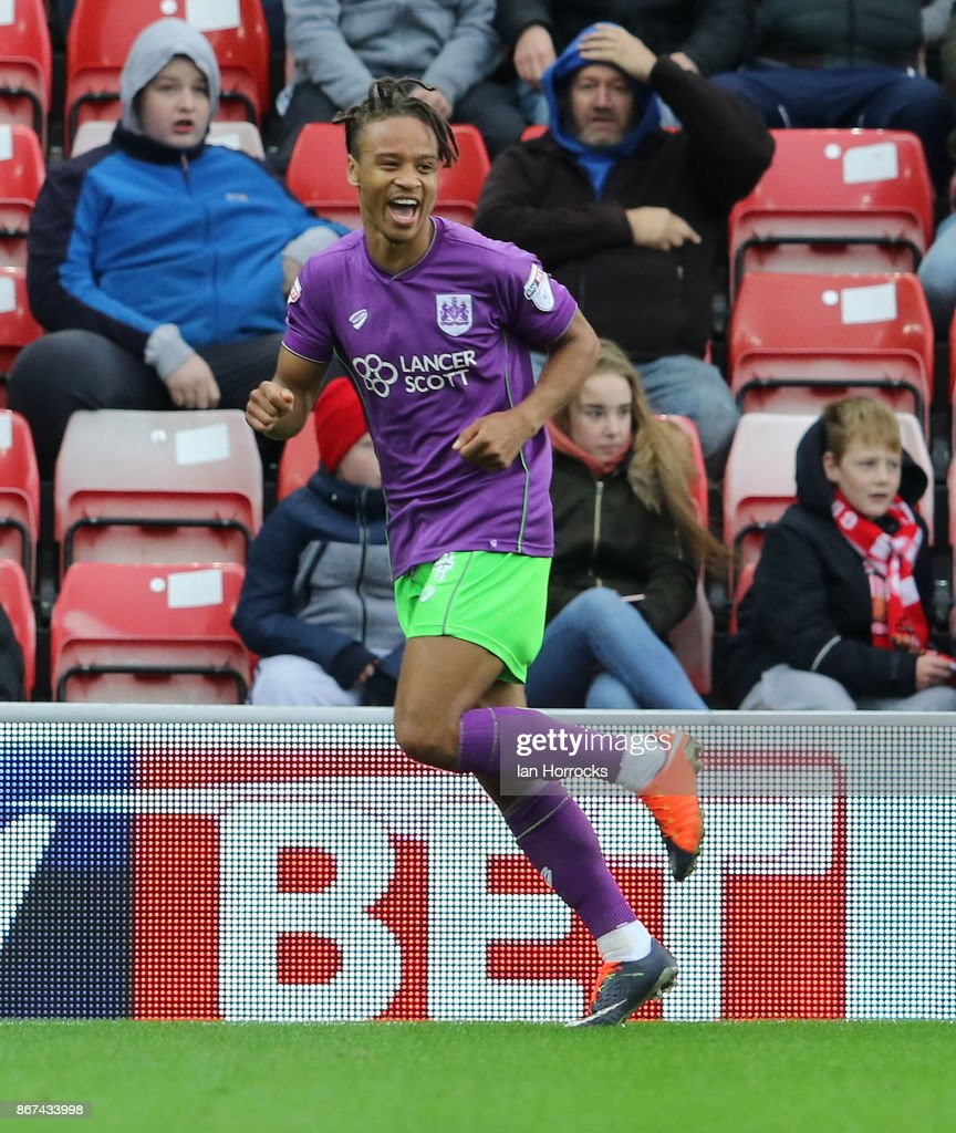 Bobby Reid of Bristol City celebrates scoring the opening goal during the Sky Bet Championship match between Sunderland and Bristol City at Stadium of Light on October 28, 2017 in Sunderland, England.