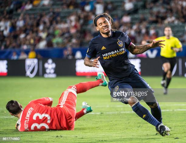 Bobby Shuttleworth of Minnesota United comes up with a save depriving Jermaine Jones of Los Angeles Galaxy of a goal during the Los Angeles Galaxy's...