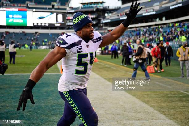 Bobby Wagner of the Seattle Seahawks waves to the fans after the game at Lincoln Financial Field on November 24 2019 in Philadelphia Pennsylvania The...