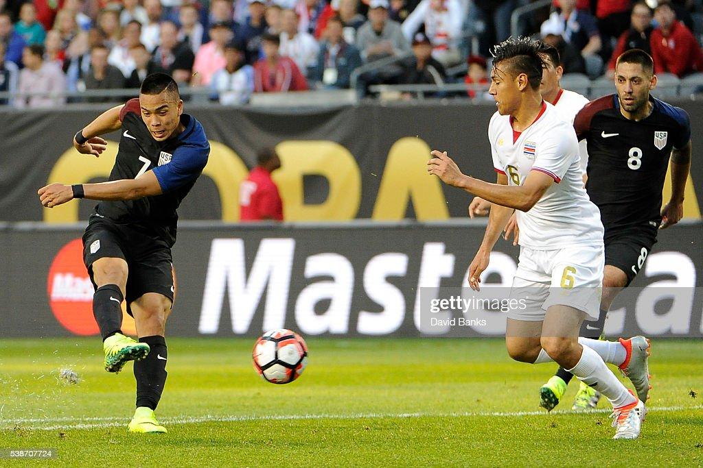 Bobby Wood of United States shoots to score the third goal of his team during a group A match between United States and Costa Rica at Soldier Field as part of Copa America Centenario US 2016 on June 07, 2016 in Chicago, Illinois, US.