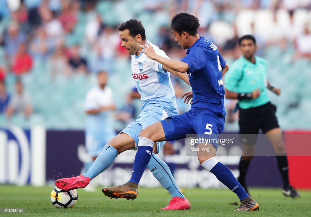 Bobo of Sydney FC is challenged by Jo Sung-Jin of the Bluewings during the AFC Asian Champions League match between Sydney FC and Suwon Bluewings at Allianz Stadium on February 14, 2018 in Sydney, Australia.