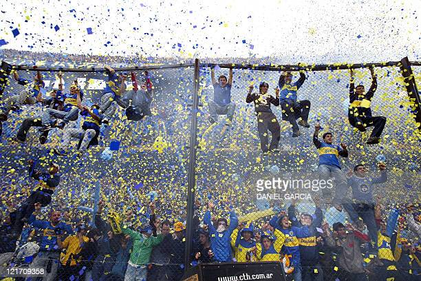 Boca Juniors fans cheer their team before the start of the 14th round match of the Argentinean Closing Tournament against River Plate in La Bombonera...