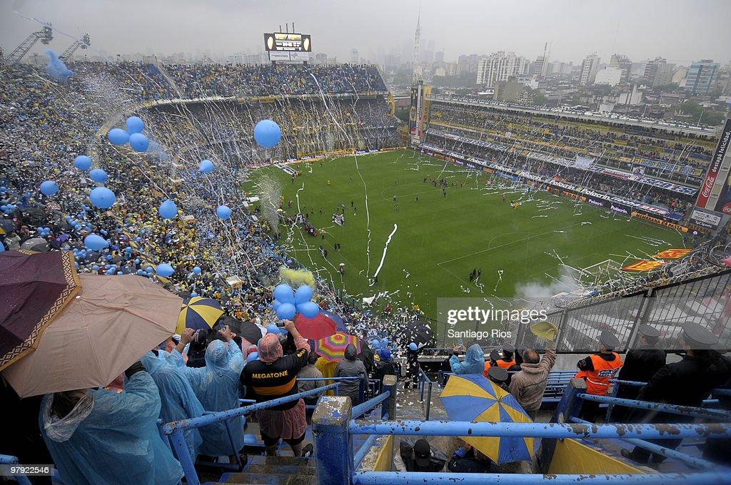 Boca Juniors v River Plate - 2010 Clausura Primera A : News Photo