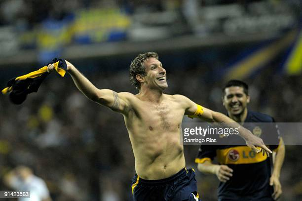 Boca Juniors' Martin Palermo celebrates scored goal during an Argentina´s first division soccer match on October 4 2009 in Buenos Aires Argentina