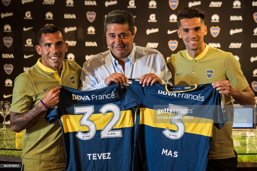 FBL-ARGENTINA-BOCA-TEVEZ : News Photo