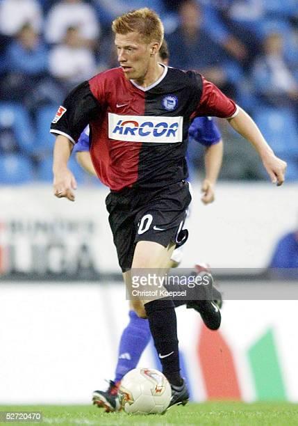 FINALE 2002 Bochum HERTHA BSC BERLIN FC SCHALKE 04 41 AndreasZECKENEUENDORF/HERTHA