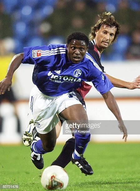 FINALE 2002 Bochum HERTHA BSC BERLIN FC SCHALKE 04 41 Rob MAAS/HERTHA Abdul IYODO/SCHALKE