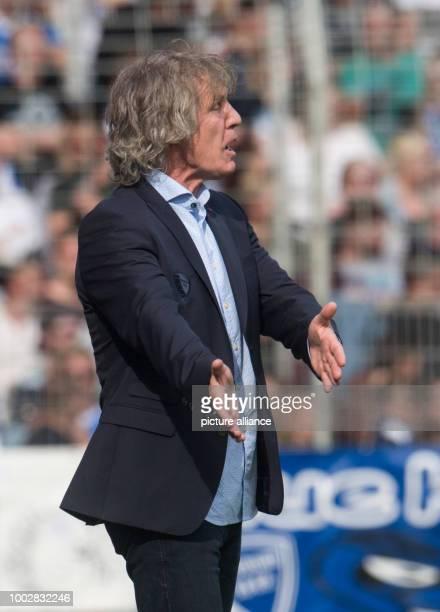 Bochum's coach Gertjan Verbeek gestures during the German Bundesliga 2nd league soccer match between VfL Bochum and FC St Pauli in the Vonovoa...
