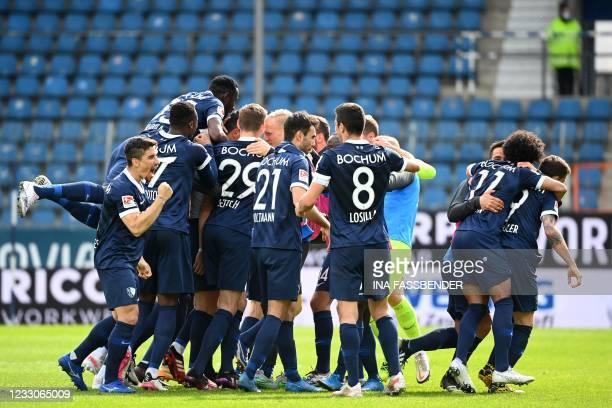 Bochum's players celebrate the 3-1 goal scored by Bochum's Austrian midfielder Robert Zulj during the German second division Bundesliga football...