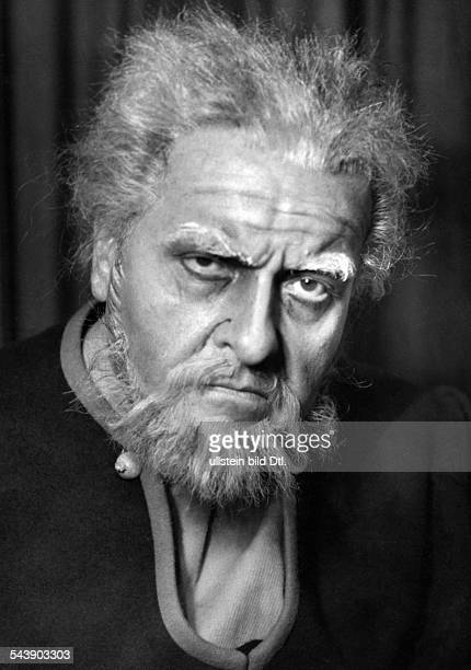 Bockelmann Rudolf Opera singer Germany*02041892Portrait as Dalibor in the opera of the same name by Bedrich Smetana Photographer Charlotte Willott...
