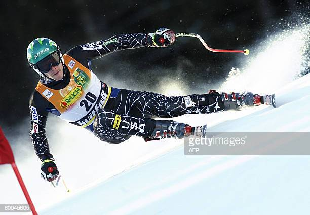 Bode Miller clears a gate during the men's official downhill training of the FIS Ski World cup on February 28, 2008 in Kvitfjell. AFP PHOTO Tor...