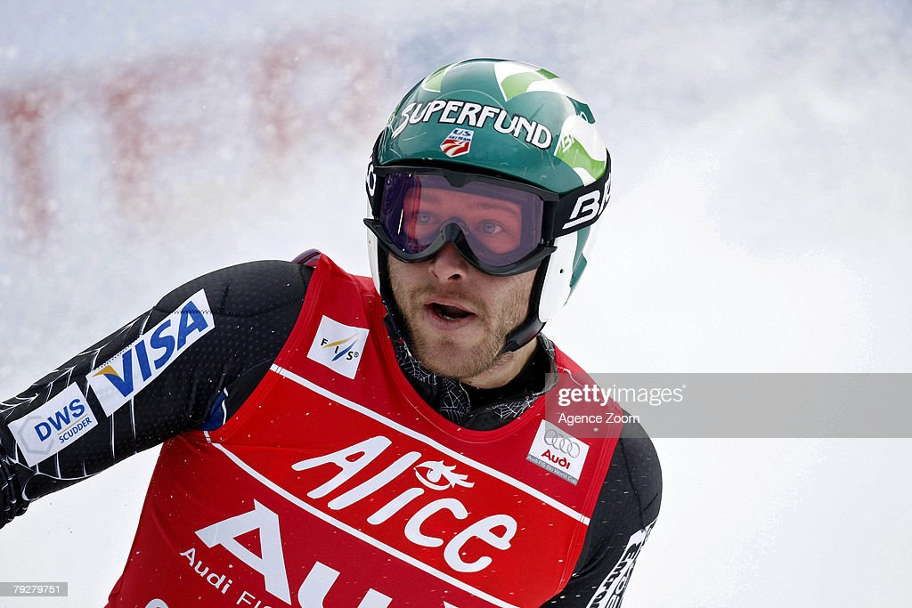 Men's FIS Skiing World Cup - Super Combined Downhill : News Photo