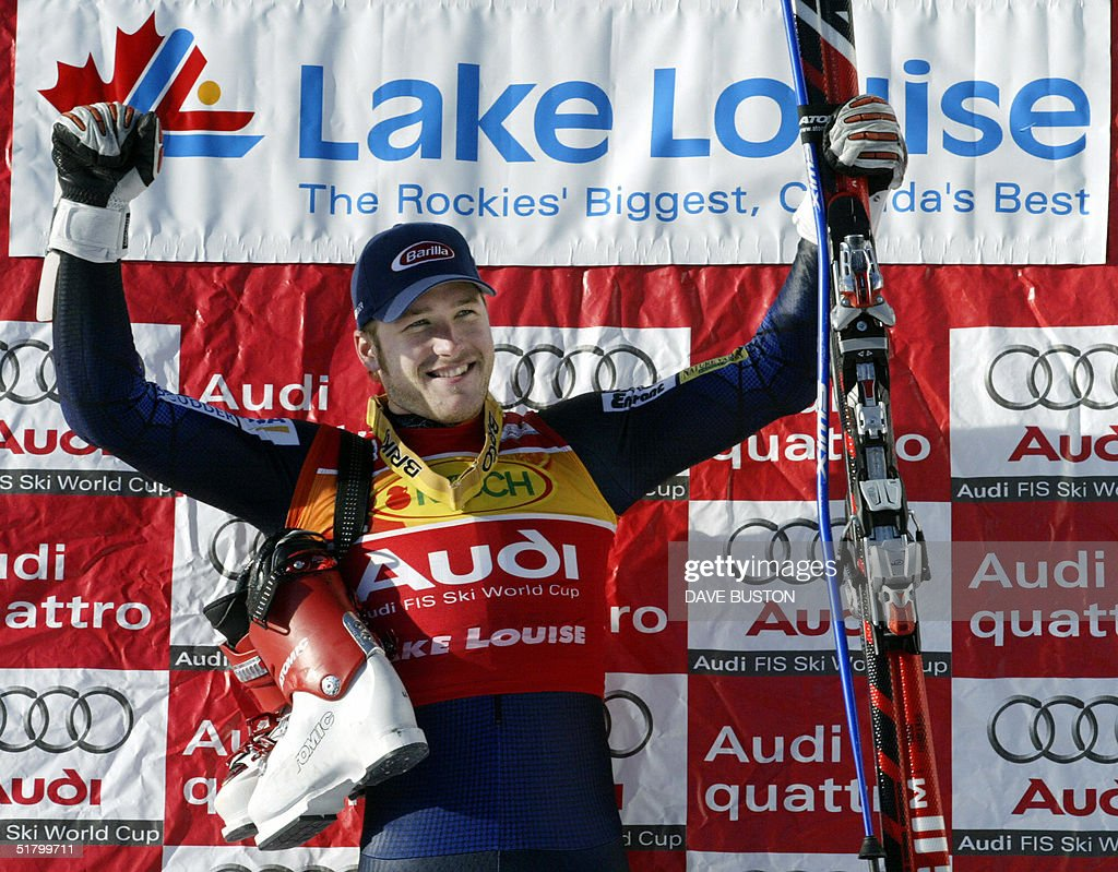 Bode Miller of the US celebrates after his run on the Men's Super-G course 28 November 2004 at the Lake Louise Ski Resort in Lake Louise, Canada. Miller had a time of 1:28.18 to place first in the event.