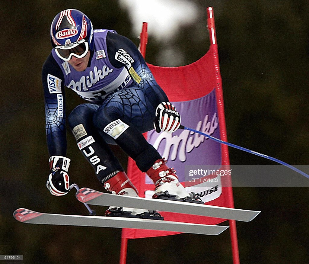 Bode Miller of the US skies past a gate on the Men's Downhill course 26 November, 2004 during the third training run at the Lake Louise Ski Resort in Lake Louise, Canada the site of the first men's downhill of the season. Miller had a time of 1:45.55 to place first in the training run. The first downhill will take place on 27 November 2004.
