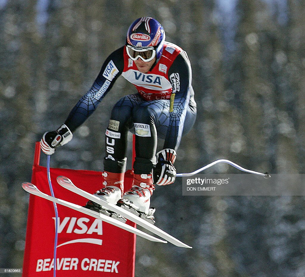 Bode Miller of the US skis during the World Cup Men's Downhill 03 December, 2004, in Beaver Creek, Colorado. Miller won the race with a time of 1:39.76.