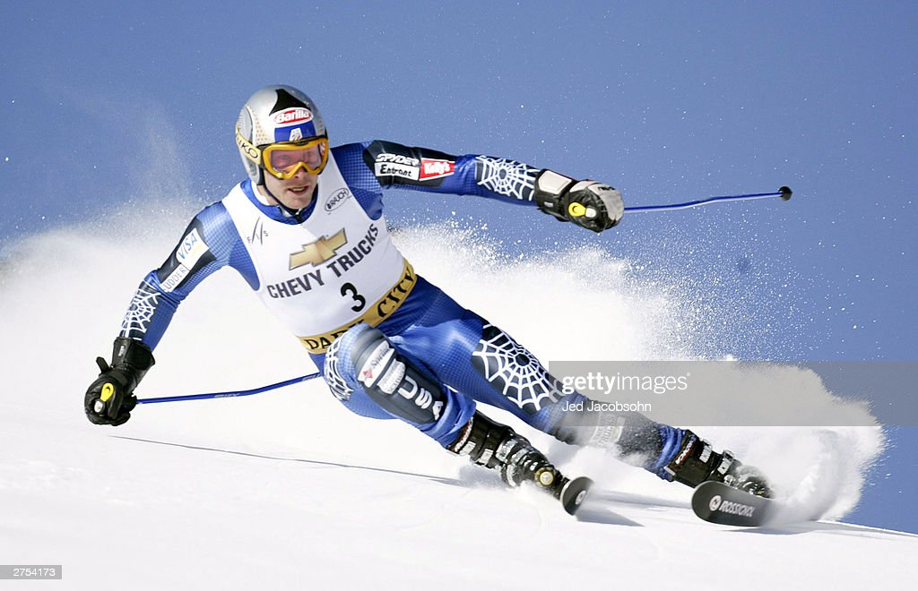 Bode Miller of the USA in action on his first run of the Mens FIS Alpine World Cup Giant Slalom on November 22, 2003 at Park City ski resort in Park City, Utah. Miller won the event.