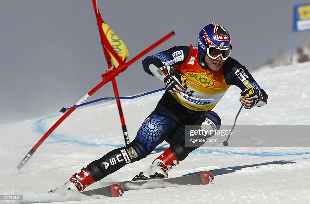 Bode Miller of the USA skis during day two of the FIS Ski World Cup Mens Super Giant Slalom competition on November 28, 2004 in Lake Louise, Canada.