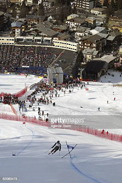 Bode Miller of USA competes during his first place finish in the Men's Super G at the FIS Alpine World Ski Championships on January 29, 2005 in...