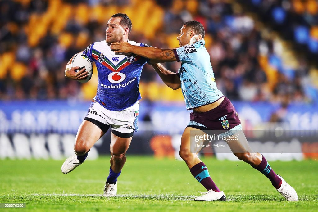 Bodene Thompson of the Warriors charges forward during the round 12 NRL match between the New Zealand Warriors and the Brisbane Broncos at Mt Smart Stadium on May 27, 2017 in Auckland, New Zealand.
