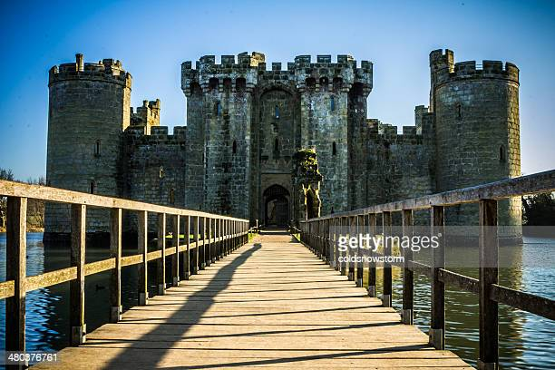 bodiam castle - moat stock pictures, royalty-free photos & images