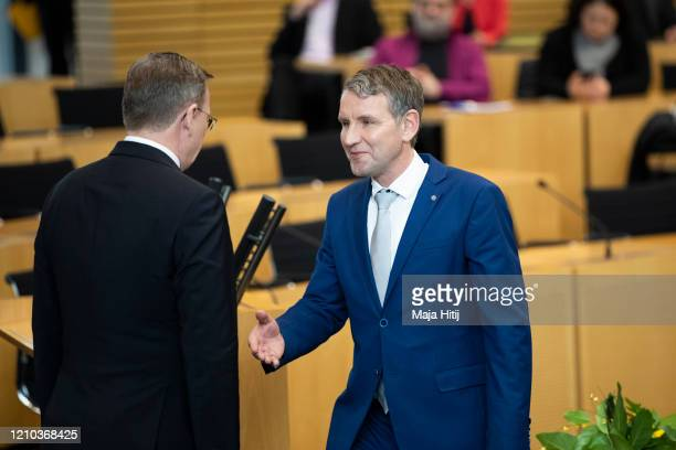 Bodo Ramelow, leader of the left-wing Die Linke political party in Thuringia refuses the hand shake of Bjoern Hoecke, leader of the right-wing...