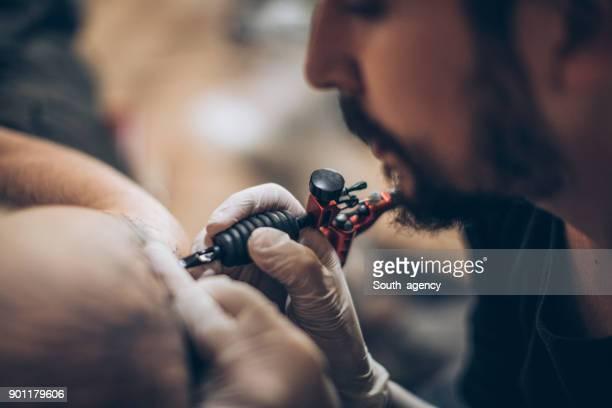 body art - tatuagem imagens e fotografias de stock