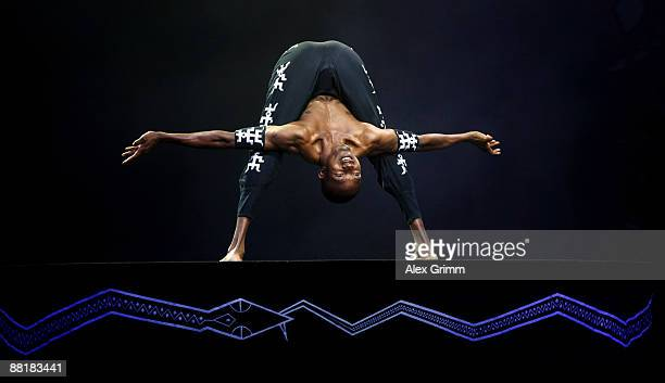 Body artist Yoga Yoga alias Michael Elias Mondosha performs during the Afrika Afrika musical by Austrian artist Andre Heller at the Alte Oper on June...