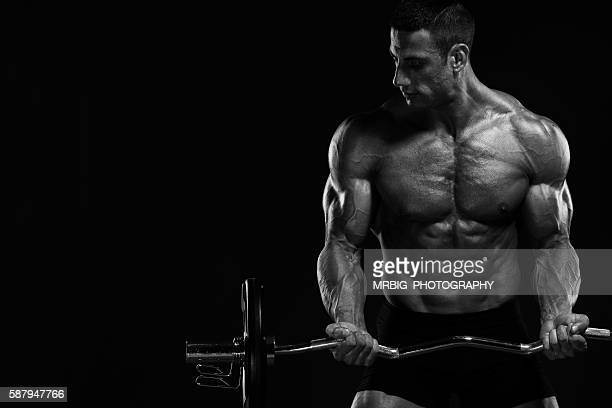 body building - bodybuilding stockfoto's en -beelden