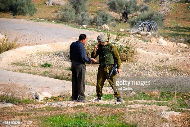 body language in israel/palestine - civilian stock pictures, royalty-free photos & images