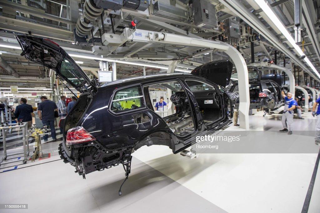 Volkswagen AG Retool Electric Car Factory : News Photo