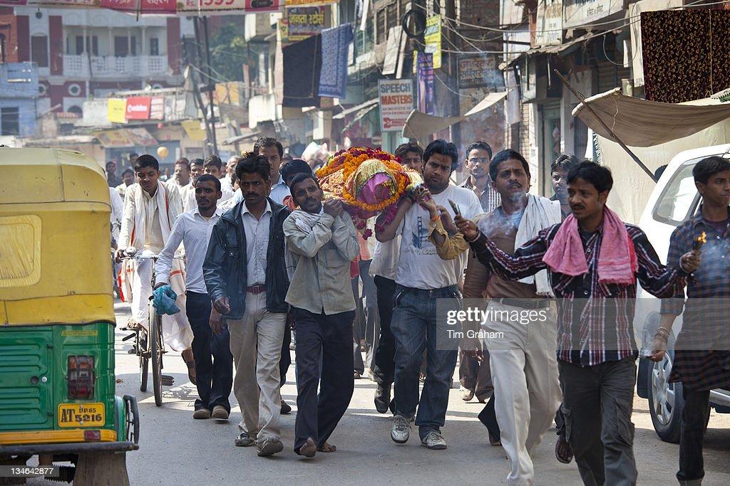 Hindu Funeral, Varanasi, India : News Photo