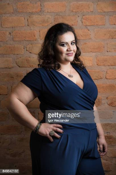 body positive, plus size model - plus size model stock pictures, royalty-free photos & images