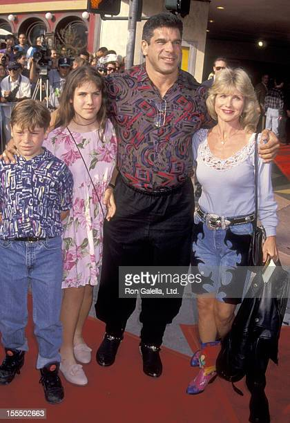 Bodybuilder and Actor Lou Ferrigno Carla Green daughter Shanna Ferrigno and son Lou Ferrigno Jr attend the Last Action Hero Westwood Premiere on June...
