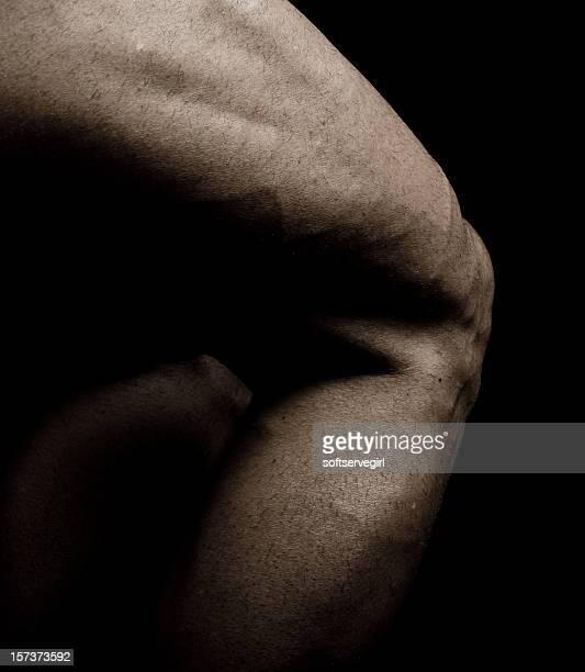 Bodybuilder の太もも、ふくらはぎ