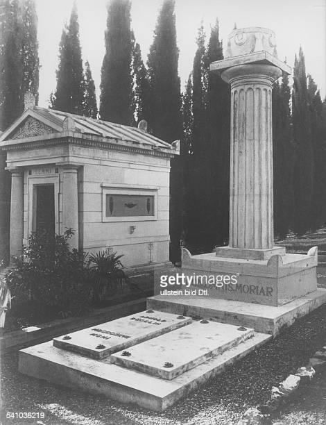 Boecklin Arnold *16101827Bildender Künstler Maler Bildhauer Schweizvon seinem Sohn Carlos entworfenes Grabmal auf dem Friedhof der Fremden in Florenz...