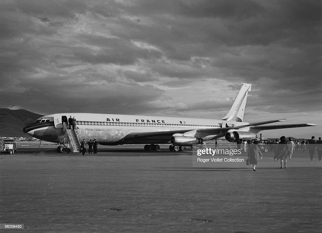 Boeing 707 of Air France, Versailles castle in A : Photo d'actualité