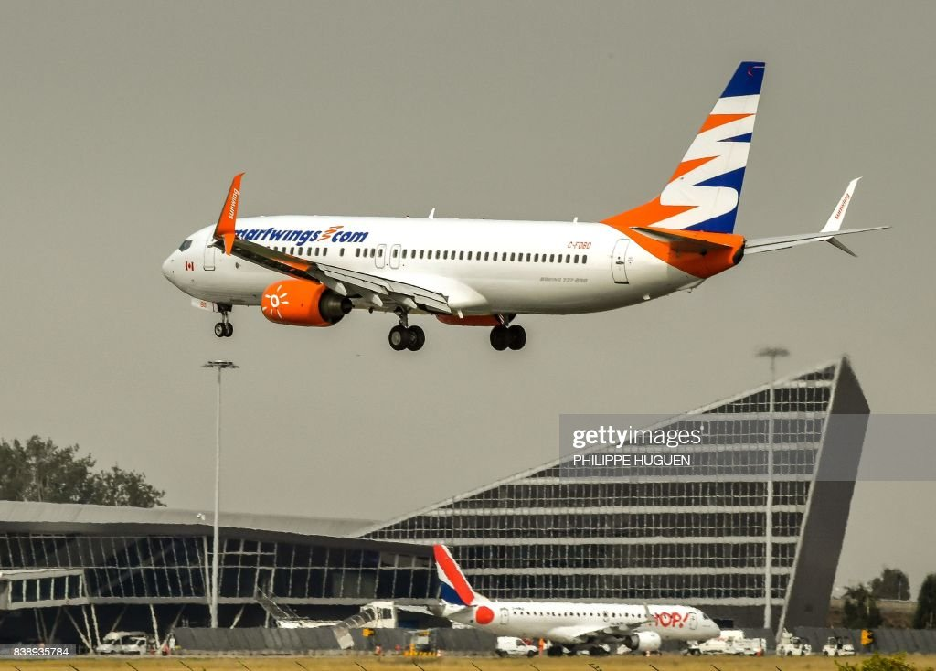 FRANCE-TRANSPORT-AIR-SMARTWINGS : News Photo
