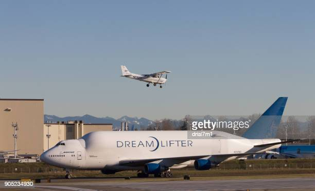 Boeing 747-400 Large Cargo Freighter