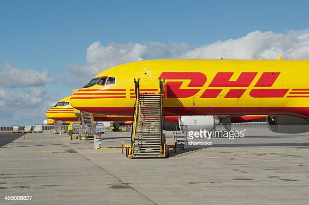 dhl boeing 757-200sf cargo aircraft - boeing 757 200 stock pictures, royalty-free photos & images