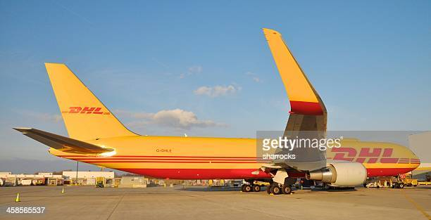 dhl boeing 767 airplane - ohio stock pictures, royalty-free photos & images