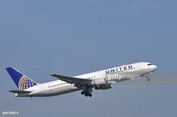 Boeing 767 belonging to United Airlines about to takeoff from Paris Charles de Gaulle Airport