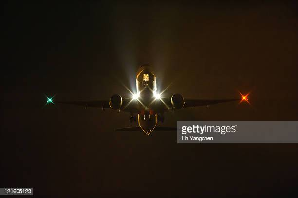 Boeing 777 night takeoff