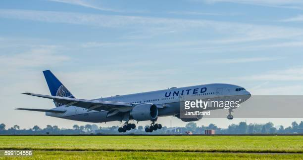 Boeing 777 of United Airlines landing at Schiphol
