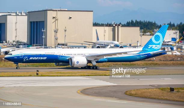 boeing 777x - boeing stock pictures, royalty-free photos & images